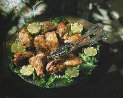 Decorer Un Plat De Viandesnavec Des Petits Legumes Gratines